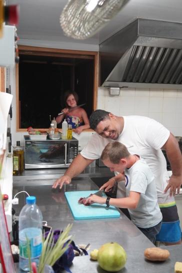 135 - Tahiti Manoo